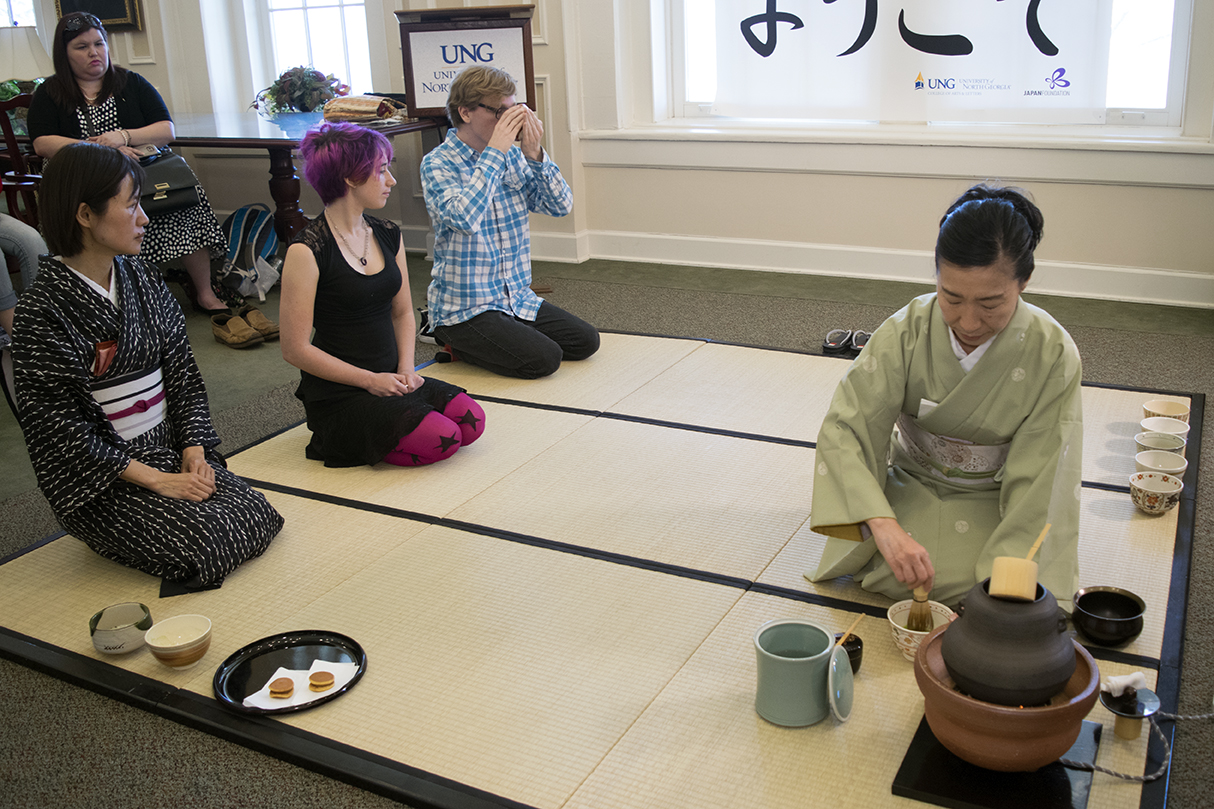 UNG students take part in a traditional Japanese Tea Ceremony during a campus visit from the Japanese Consulate.