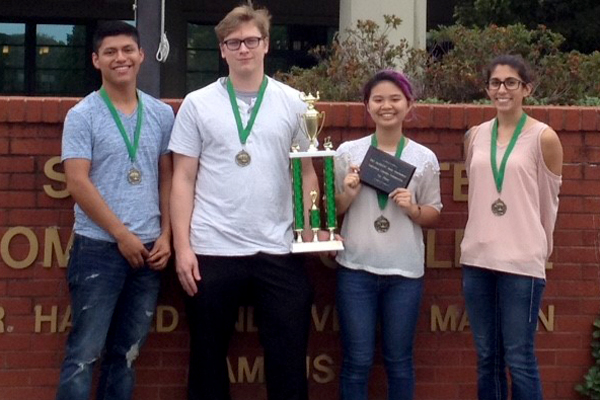 "A four-member UNG Oconee Campus team won the 2017 Alabama Mathematical Association of Two Year Colleges (AlaMATYC) math tournament Oct. 7 at Shelton State Technical Community College in Tuscaloosa, Alabama. Team members were Ngoc ""Kiera"" Thuy An Tran, Stacy Crowe, Edgar Flores and Jessica Guerra."