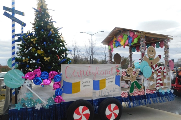 Christmas Float Ideas With Lights.Oconee Campus Wins Award For Christmas Parade Float