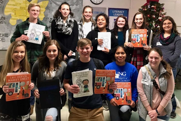 Blue Ridge Scholars promote literacy in Fannin County