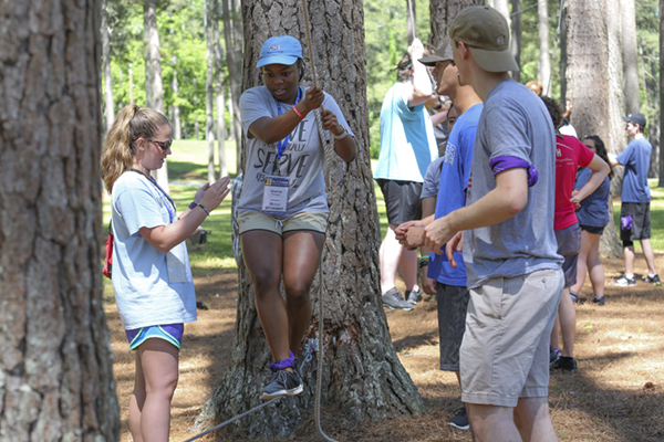 Summit teaches leadership lessons to students from across state