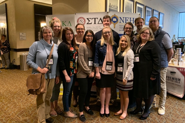 Sigma Tau Delta chapter succeeds at convention