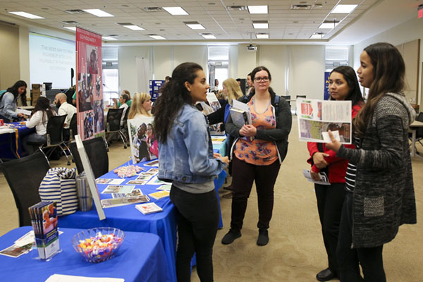 Nonprofits connect with students at Volunteer Fair