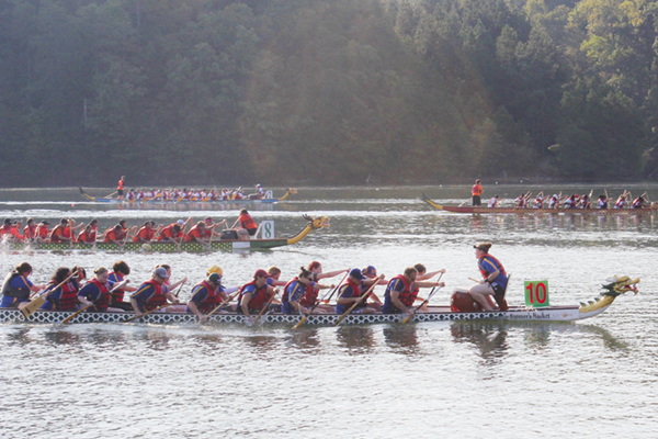 UNG team wins gold at Dragon Boat Festival