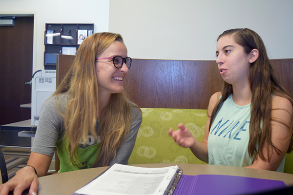 Pop-up language lab offers students help on Cumming Campus