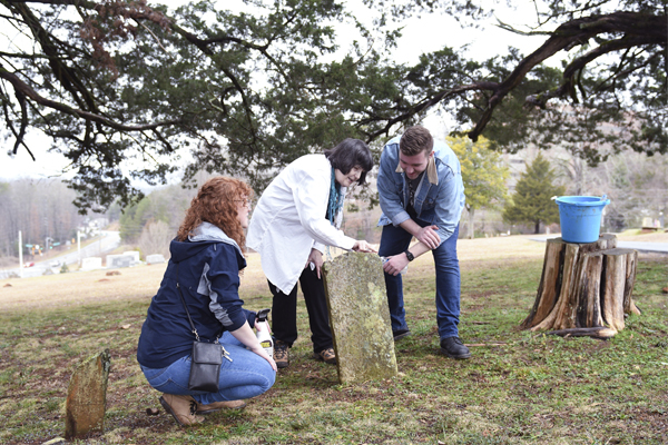 Students and faculty help preserve Mount Hope Cemetery