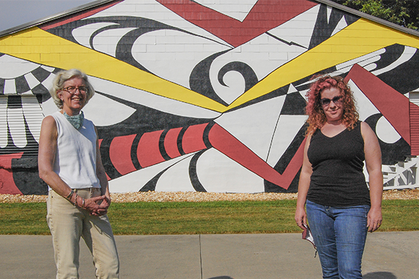 Two alumnae re-create mural for Midtown Greenway in Gainesville