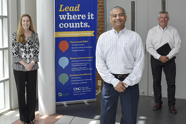 Mike Cottrell College of Business faculty offer expertise to community