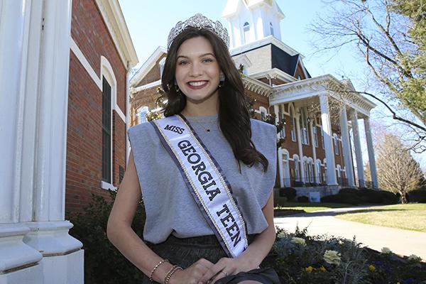Freshman crowned Miss Georgia Teen USA 2021