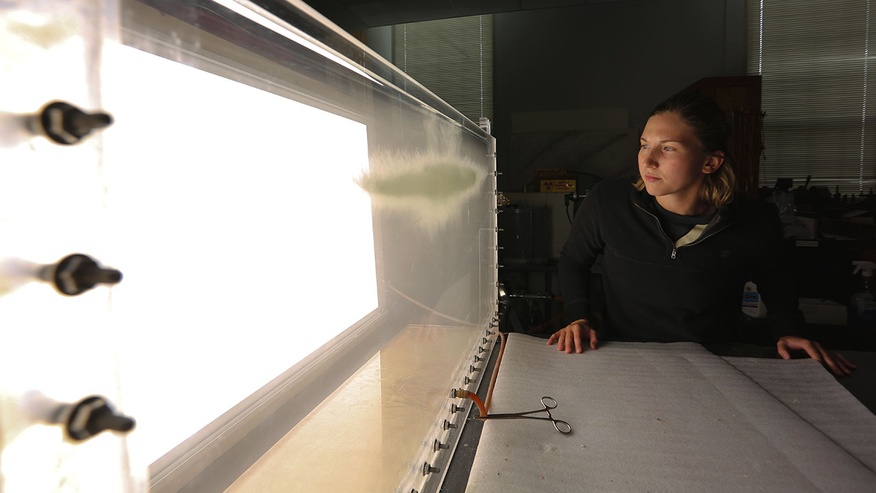 Students research fluid dynamics in a new lab