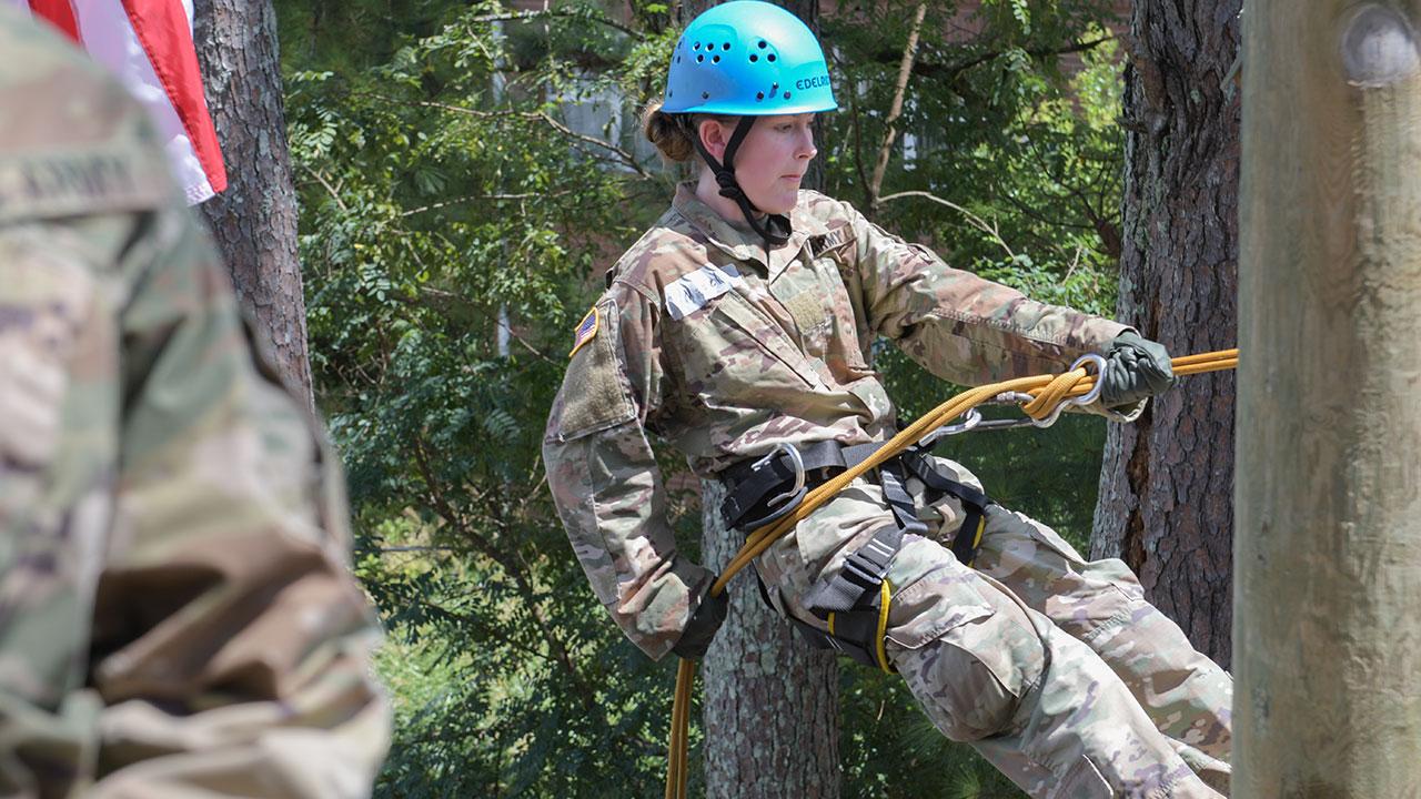 Corps newcomers navigate FROG Week