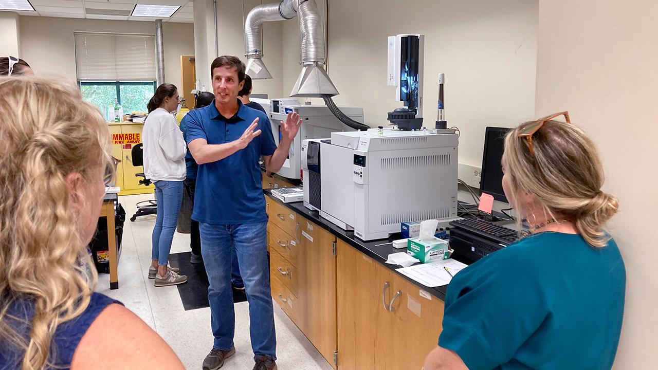 Chemistry faculty help  train high school teachers