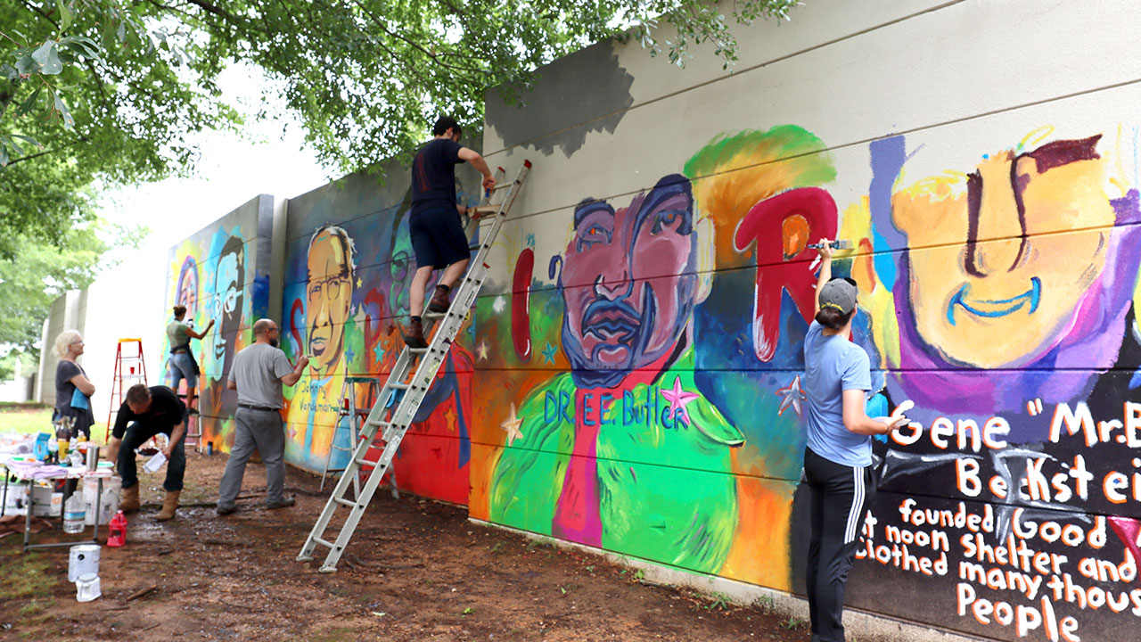 Art faculty, students aim to inspire kids